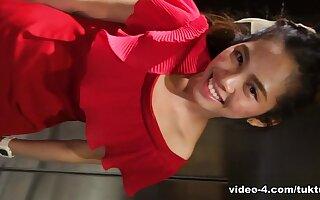 TuktukPatrol Movie: Mee Part 1