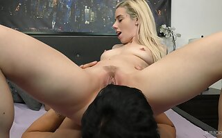 Amateur blonde adores the soaked pussy being fucked in such hardcore
