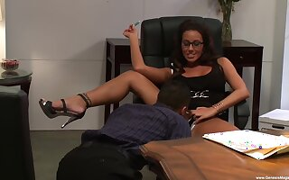 Man fucks his secretary and makes her swallow