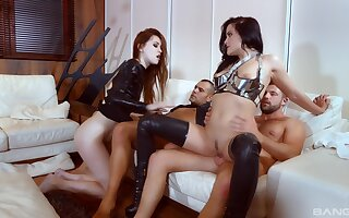 Foursome extreme in scenes of male domination
