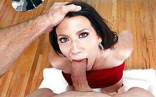 Seductive busty cougar Leena Sky deepthroats a big cock in POV