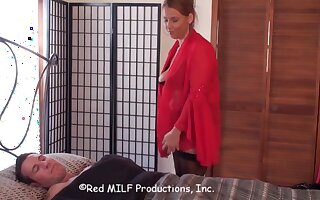 Redhead MILF shows us how its really done