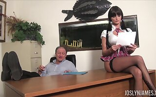 Lustful college doll gets all kinds of dirt on her venerable professor