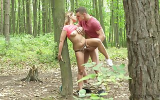 Elegant amateur chick fucked into the mother country and creamed like a harlot